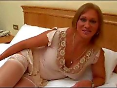 Mature tranny plays with anal toys