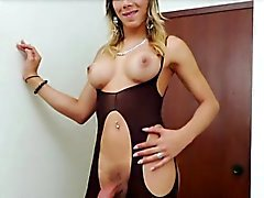 Sexy Tgirl Keycee plays her boner alone
