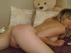 cute_s_belle fucks hard