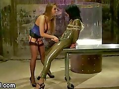 Tranny in latex fucks busty babe hot