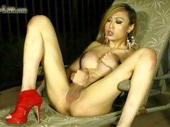 TS Venus Lux Covers Herself in Cum
