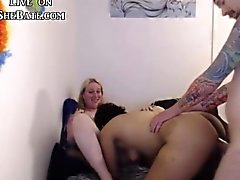 Shemale couple havig an amazing threesome