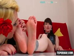 Hot shemale foot fetish with cumshot