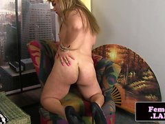 Chubby femboy masturbates in hot solo session